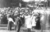 Betoging van Drankbestrijders in augustus 1913 achter de openbare Lagere school.