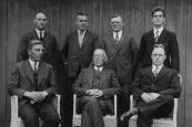 Bestuur W.H.I. Gorredijk in 1934. Staande v.l.n.r.: Roel Rudolphy, Sjoerd v/d Meulen, Hendrik Heringa, en bakker A.Mulder. Zittend: Hans H.de Boer, Jan Geveke en Roel de Vos.
