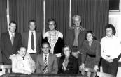 Het bestuur van Plaatselijk Belang in 1979. Staande v.l.n.r.: Pater van Ulden, Wester, Kluitenburg, Tjoelker, H.Schippers-Stoelwinder, en v/d Korst. Zittend: Harm Blokzijl, Klaas Idzinga, Sietske v/d Meulen.