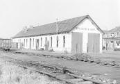 De ontmanteling van het rangeerterrein ging vooraf aan de afbraak van het stationgebouw in 1962.